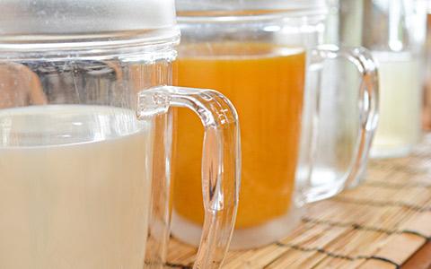 牛乳 オレンジジュース